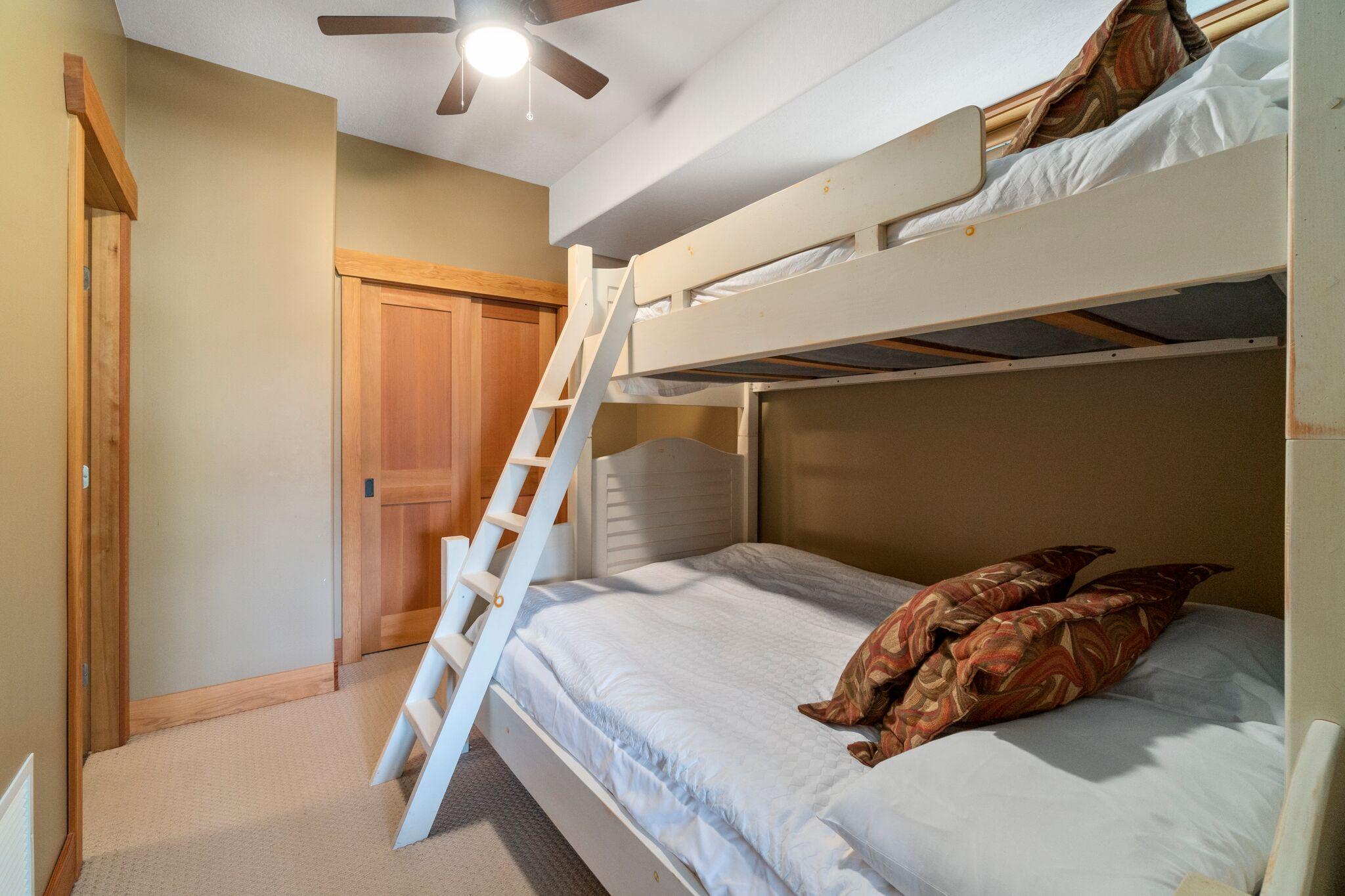 3rd Bedroom - Double/Single Bunk