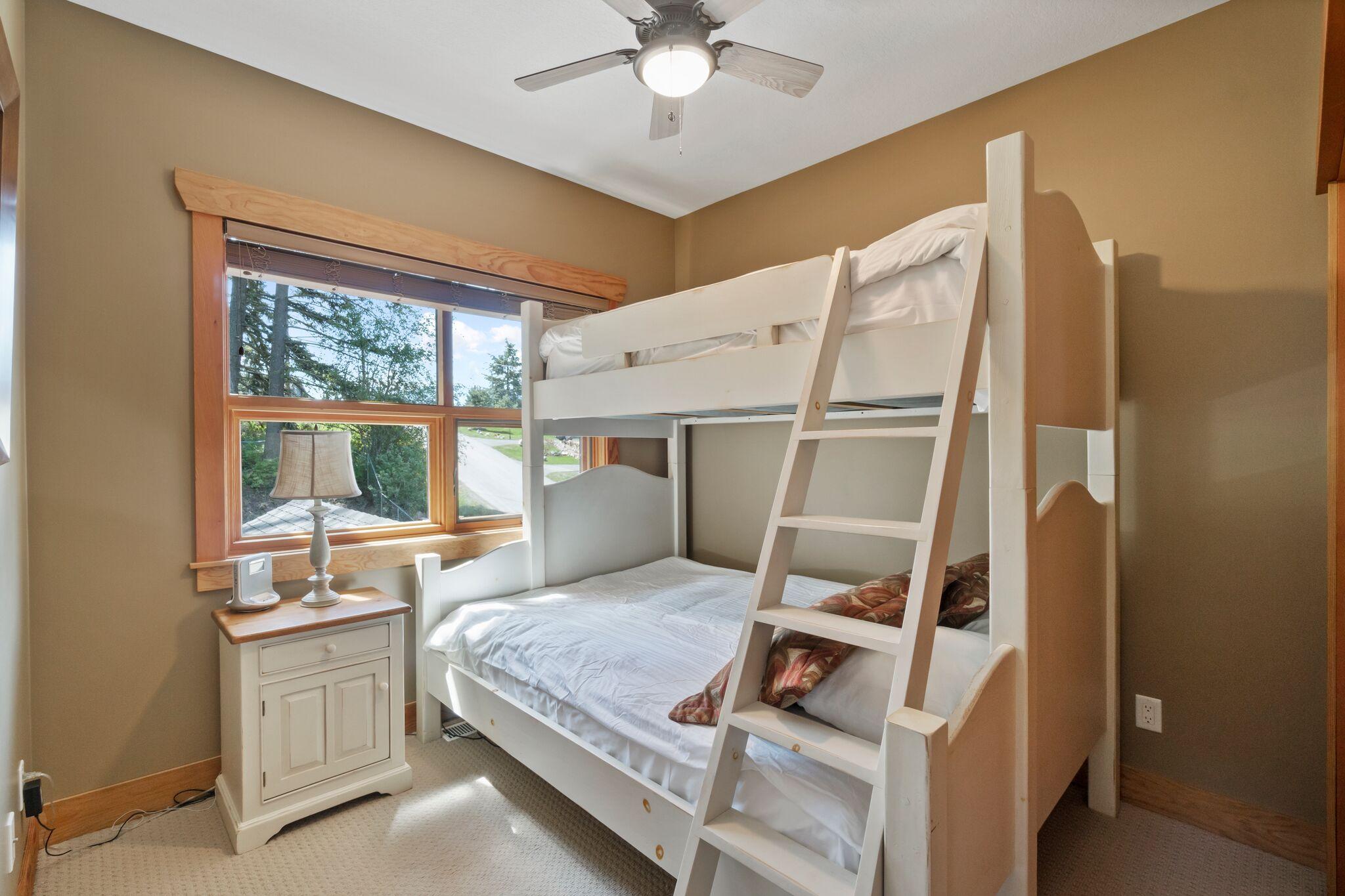 2nd Bedroom - Double/Single Bunk