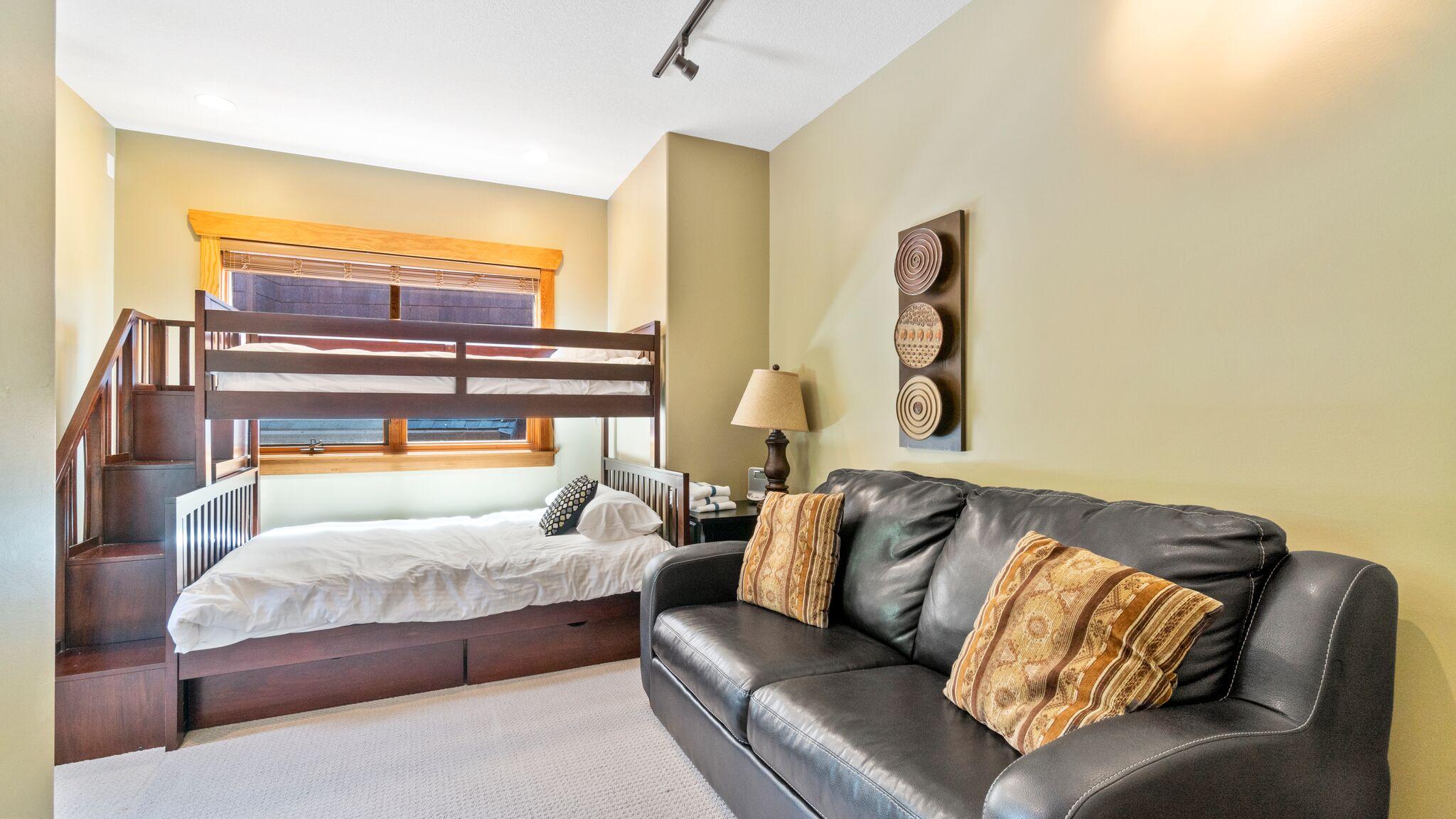 4th Bedroom - Double/Single Bunk