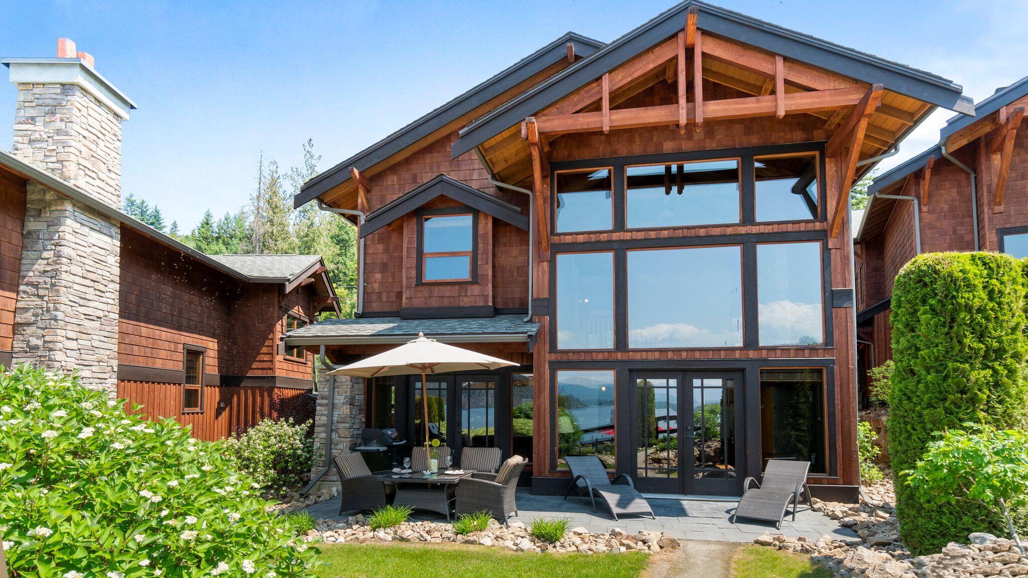 Lodge 3 Exterior